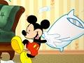 Микки и друзья в драке подушками